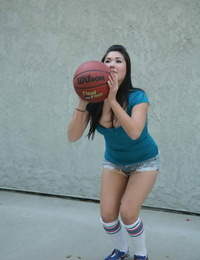 Asian woman London Keyes is fatigued of toying basketball and thirsts for a dick