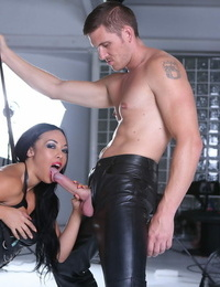 Big-titted latex-clad Mummy with crimson lip liner Rio Lee providing mind-blowing head